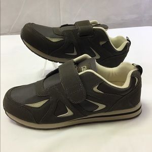 Omega comfort zone new shoes brown 11 D